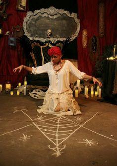 Voodoo Priestess, Voodoo Hoodoo, New Orleans Voodoo, Marie Laveau, Religion, Coloured Girls, Orisha, Witch Aesthetic, Altars