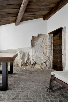 Since 1998 the Web Atlas of Contemporary Architecture Simple Interior, Best Interior Design, Contemporary Architecture, Architecture Details, Gite Rural, Italy House, Luxe Decor, Brick And Wood, Rustic Stone