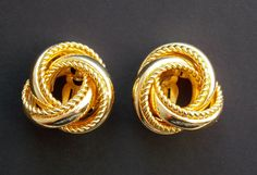 Gold earrings vintage jewelry clip on earrings by LeVieuxGrenier Vintage Costume Jewelry, Vintage Costumes, Vintage Jewelry, Unique Jewelry, Vintage Earrings, Clip On Earrings, Gold Earrings, Gold Accessories, Trending Outfits