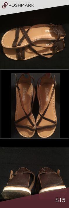 ✳️VTG Rare Strappy Clarks Originals Sandals ✳️A Rare Find ✳️ Leather ✳️Clean ✳️Clarks Originals✳️Size 10✳️Color Brown ✳️Leather Clarks Originals Shoes Sandals