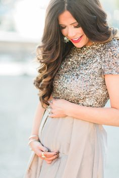 Maternity session with Emily Gemma: in Paris, France photo by French Grey Photography