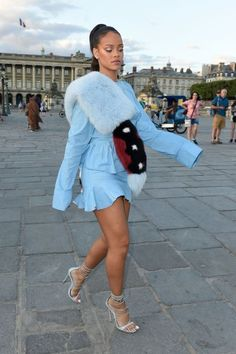Nothing controls Rihanna—not even the seasons. Who cares if it's July? She just deals with it!     // Pinned on @benitathediva, DIY fashion inspiration & LifeSTYLE Blog