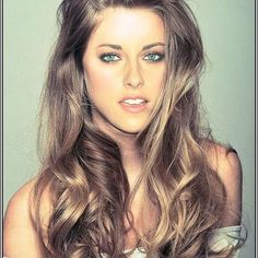 Best Hair Color For Cool Skin Tones And Green Eyes