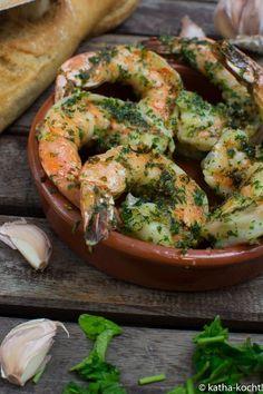 Tapas - king prawns in garlic oil - Katha cooks!- Tapas – Riesengarnelen in Knoblauchöl – Katha-kocht! Tapas – king prawns with garlic - Tapas Recipes, Shrimp Recipes Easy, Shellfish Recipes, Seafood Recipes, Beef Recipes, Dinner Recipes, Healthy Recipes, Tapas Party, Spicy Garlic Shrimp
