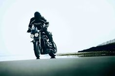 2010 Triumph Street Triple / R Pictures, Photos, Wallpapers and Videos. Triumph Street Triple, Bad To The Bone, Water Cooling, Beautiful Streets, Supersport, Fuel Injection, Bike Life, Yamaha, Motorbikes