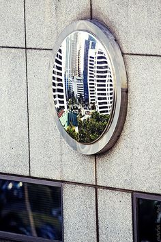 feng shui mirror- Convex mirror to reflect away bad energy. Small ones are excellent for the front door, especially if you live at the end of a street & your home faces the end of the road. Fung Shui Home, Feng Shui Mirrors, Feng Shui Guide, Feng Shui Symbols, Fen Shui, Convex Mirror, Asian Decor, Solar Panels, Decoration