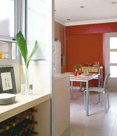 Una cocina dividida en varias zonas
