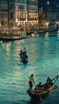 Beautiful Venice ~ Italy. looks like a painting
