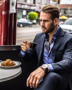 - summer outfit inspiration with a navy suit paisley ascot blue button up shirt wrist accessory black leather banded watch Moda Formal, Mens Cashmere Scarf, Street Style, Latest Mens Fashion, Leather Watch Bands, Gentleman Style, Leather Men, Black Leather, Stylish