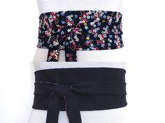 7f6de702a819 Polina Couture - ceinture Obi bleue réversible, face imprimée de fleurs et  face uni.