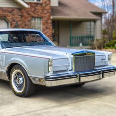 LincolnMotorCar Showcase (@badwf) on Instagram: 1983 Lincoln Continental Mark VI #Lincoln #Continental #MarkVI #LincolnContinental…""