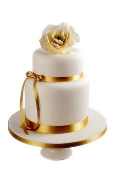 Ivory and Gold Wedding Cake with open sugar peony, #wedding #cake