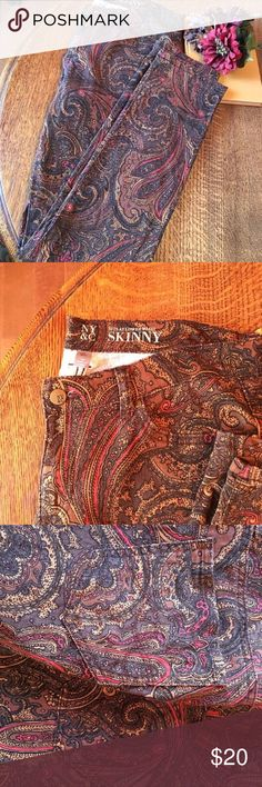 "NY&C Skinny Paisley Print Jeans - Size 10 Gorgeous paisley print jeans by New York & Company. Size 10. Great fall/winter colors for the season. Pairs well with bulky sweater and booties or dressed with heels and a cardigan. ""Sits At Lower Waist"" skinny jeans. Flat measurements: Waist - 17"", Inseam 32"", 98% Cotton/2% Spandex. New York & Company Jeans Skinny"