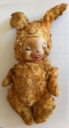 Vintage Easter Bunny A sweetly adorable polar bear would definitely be all it took to get me to try Snow Crop juice were we back in the Happy Easter, Easter Bunny, Bunny Bunny, Bunny Face, Vintage Easter, Old Toys, Cute Illustration, Doll Face, Vintage Dolls