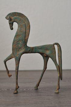 Small Sculptures, Animal Sculptures, Wooden Tea Light Holder, Equestrian Decor, Horse Drawings, Horse Sculpture, Equine Art, Glazes For Pottery, Horse Art