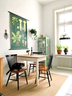 2 815 mentions J& 40 commentaires - MiMaMeise («MiMaMeise Small Dining Area, Table For Small Kitchen, Small Dinner Table, Living Room Decor, Decor Room, Home Decor, Updated Kitchen, Kitchen Updates, Dining Room Design