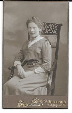 CDV Photo Female Sweden Goteborg Kungsgatan 1900s Picture Genealogy # 366