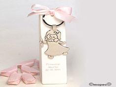 Llavero niña velita Comunión caja blanca 5caramelos - http://regalosoutletonline.com/regalos-originales/comuniones/llavero-nia-velita-comunin-caja-blanca-5caramelos