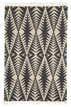 St. Maarten Kilim rug with interwoven hues of cream and black