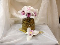 Weeping willow & cymbidium orchid, by Lilia Basulto