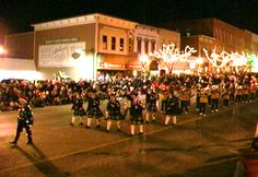 28th Annual Fantasy of Lights Christmas Parade - Howell MI November 25th 2011 7.p. m. Floats, Crafters & Carolers!!!