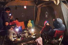 キャンプをスムーズに進めるための、TODOリストをチェック!時間が足りず慌ててキャンプ場を後にするようでは、楽しさも半減。余裕を持って楽しむために、就寝前・起床後にやっておくべき基本事項を改めてまとめました。あなたはいくつ実践できてる? Wrestling, Camping, Concert, Outdoor, Lucha Libre, Campsite, Outdoors, Concerts, Outdoor Games