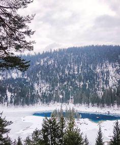Schönen Abend ihr Lieben & liebe Grüsse vom Caumasee!   Auf dem Blog ist ein neuer Blogpost für euch online. Und es wird 20 Grad wärmer: Ich nahme auch mit auf eine Bilderreise durch Marrakesch! (Littlecity.ch)  #caumasee #flims #graubünden #winterwonderland #switzerlandwonderland