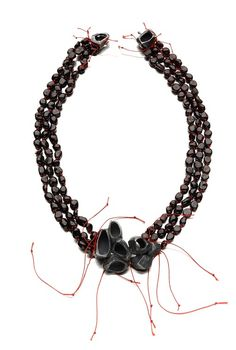 "Gavi Veit - ""Rosengarten"" series (2011). Necklace. Silver, garnets, thread. Picture courtesy of the artist"