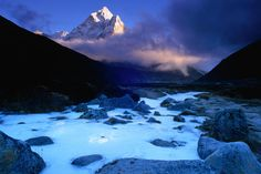Ama Dablam, Everest, Nepal  Snow fields and the peak of Ama Dablam (6848m) in the Everest region.