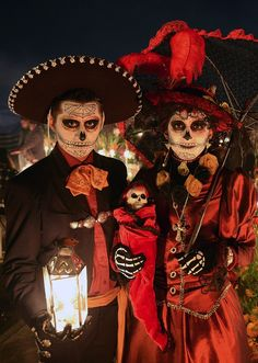 Creepy, sly and funny Halloween partner costumes - 45 suggestions, Best Group Halloween Costumes, Halloween Party, Halloween Stuff, Halloween Halloween, Vintage Halloween, Halloween Makeup, Zombies, Partner Costumes, Mexico Day Of The Dead