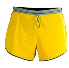 The Pace Short is made out of durable, lightweight and quick - drying woven fabric.