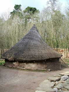 Reconstruction of an Iron Age Hut - St Fagans Welsh Folk Museum - Cardiff, Wales Little Britain, Great Britain, Great Places, Places To Visit, Celtic Nations, Cardiff Wales, Vernacular Architecture, Cymru, Round House