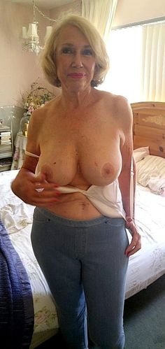Magnificent old women naked sensual selfie