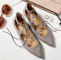 Lazes shoes