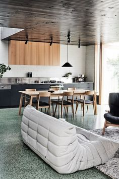 Brunswick West House is a Californian bungalow design by Taylor Knights Architects. Light filled alteration using colour, imagination and personality. Küchen Design, House Design, Design Files, Modern Design, Living Area, Living Spaces, Bungalow Homes, Modern Bungalow, Melbourne House