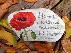 Find this Pin and more on Stone Art - Painted Rocks - Painted Stones. Pebble Painting, Pebble Art, Stone Painting, Painted Rocks Craft, Hand Painted Rocks, Painted Stones, Painted Pebbles, Stone Crafts, Rock Crafts
