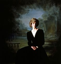 Princess Diana.........I love her look....dark..mysterious...sad...