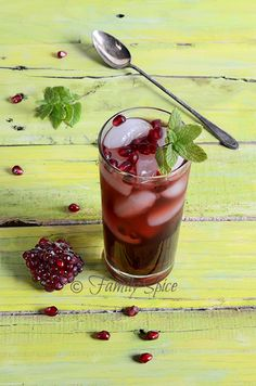 Sipping on Some Pomegranate Iced Tea @Laura | Family Spice