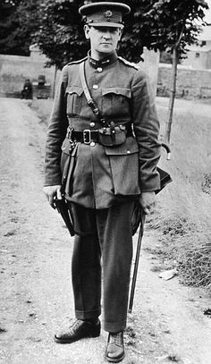 Michael Collins, Revolutionary And Founder Of The Irish Free State. Photo He did what was thought to be impossible. Michael Collins, Ireland 1916, Ireland Map, Dublin Ireland, Commonwealth, Irish Independence, Irish Free State, Irish Republican Army, Erin Go Bragh