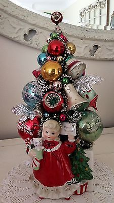 Vintage-Christmas-Planter-With-Decorated-Bottle-Brush-Tree