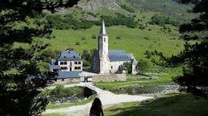 El santuari romànic de Montgarri, a la Vall d'Aran: tranquil·litat entre boscos i prats de pastura TIPUS ACTIVITAT: excursions / excursiones, cultural