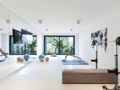 CASA SV II : Gimnasios domésticos de estilo minimalista de RM arquitectura