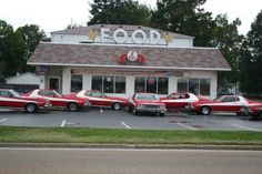 8 Deliciously Famous Illinois Restaurants You May Have Seen On TV