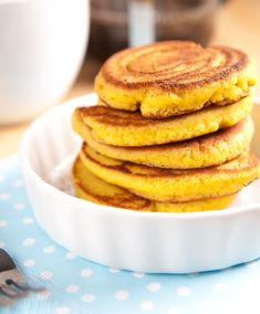 These grain free Paleo pancakes are an awesome addition to your breakfast menu. Primal Recipes, Low Carb Recipes, Real Food Recipes, Cooking Recipes, Yummy Food, Tasty, Healthy Recipes, Paleo Pancakes, Paleo Bread
