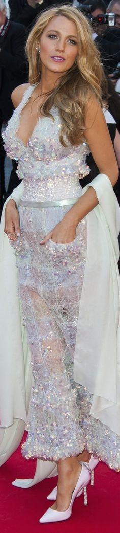 LOOKandLOVEwithLOLO: Blake Lively Sparkling in Chanel at The 67th Annual Cannes Film Festival