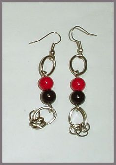 El Secreto Encanto De La Diva:Pair a earrings from a set that includes a necklace and a bracelet -   http://elsecretoencantodeladiva.blogspot.com.ar/2014/06/vayamos-por-mas.html