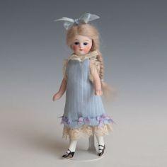 "~Frilly dress for 5.5"" Mignonette~"
