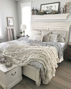 Master Bedroom Makeover Ideas Green - 54 simply farmhouse master bedroom design ideas match for Farmhouse Master Bedroom, Master Bedroom Design, Cozy Master Bedroom Ideas, Bedroom Designs, Bedroom Wall, Country Chic Bedrooms, Modern Bedroom, Country Modern Decor, Shabby Chic Mantle