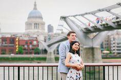 engagement pre wedding couples love story photo shoot westminster London tower bridge rainy day big ben south bank (22)
