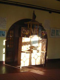 #magiaswiat #podróż #zwiedzanie # dardżyling #blog #azja #katedra #indie #pałac #ogrody #zabytki #swiatynia #stupa #kolejka #pociag #mahakala #tigerhill #wschod #słońce #yigachoeling #monastery #miasto #drukthuptensangag # cholingmonastery #himalaje #swiatyniatybetanska #swiatyniajaponska Indie, Blog, Home Decor, Decoration Home, Room Decor, Blogging, Home Interior Design, Home Decoration, Interior Design